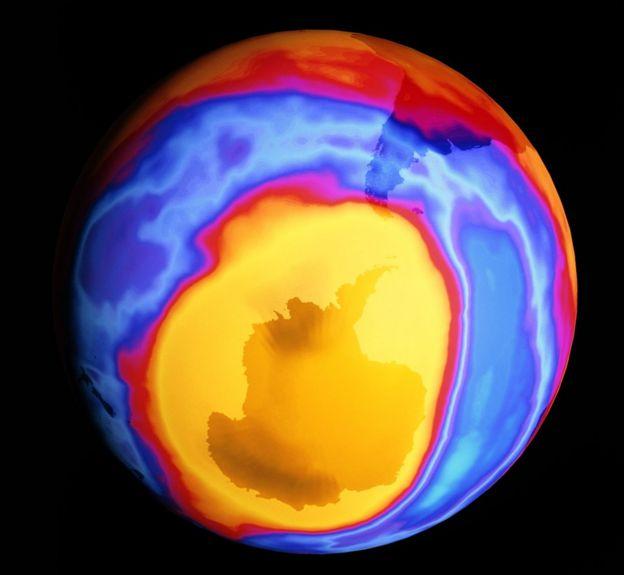2000 yılında Antarktika üzerindeki ozon deliği