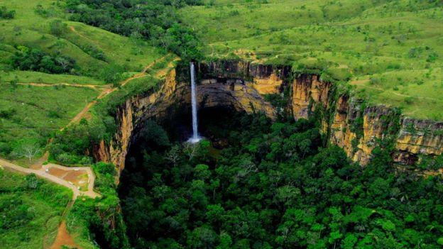 Cachoeira Véu da Noiva, na Chapada dos Guimarães