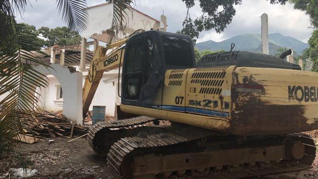 Una casa en demolición.