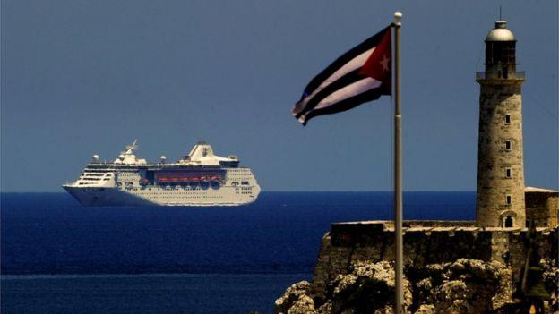 Crucero acercándose a Cuba