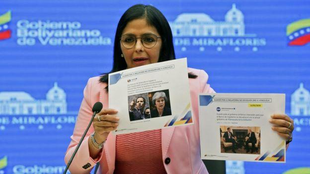 Delcy Rodríguez en conferencia de prensa.