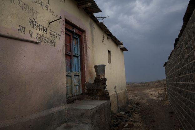 Abandoned house in Hatkarwadi