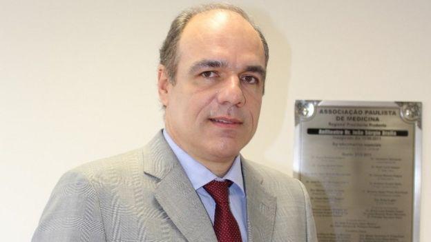 Denis Calazans, secretario general de la Sociedad Brasileña de Cirugía Plástica