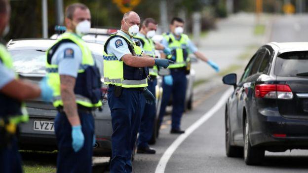 Un control de seguridad en Nueva Zelanda