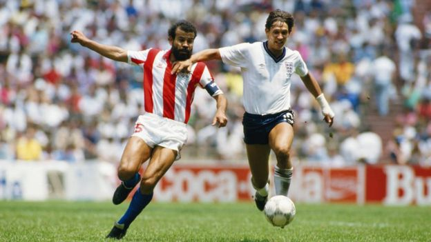 Gary Lineker in action against Paraguay at the 1986 World Cup