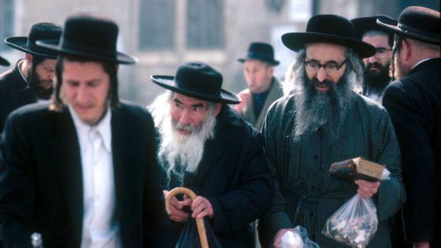 يهود من الطائفة الأرثوذكسية في القدس