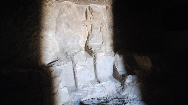 Estátua do proprietário da tumba