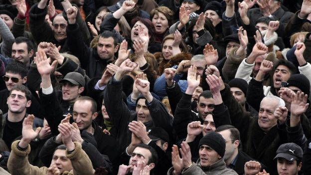 Nikol Paşinyan 2008-ci ildə müxalifətin etiraz aksiyalarını təşkil edib