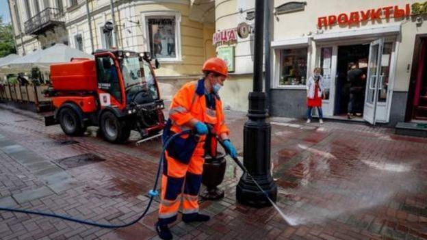 Дезинфекция на улицах в России