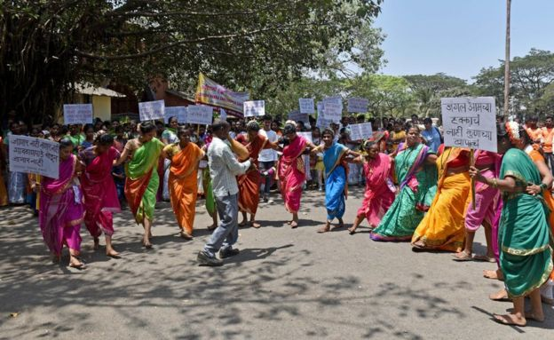 Aadivasi Halka Sanvardhan Samiti and Tribals of Aarey colony protesting to demand protection of Aare forest.