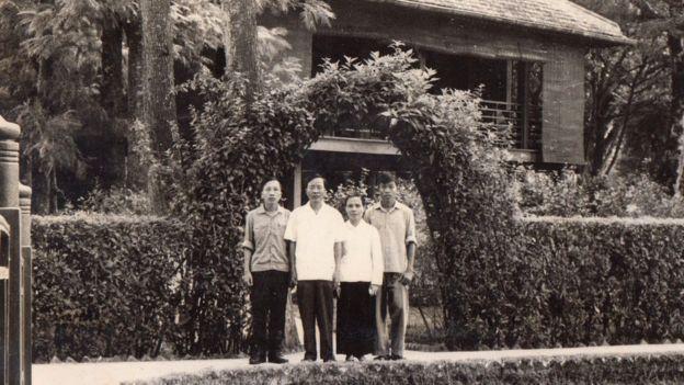 Gia đình ông Nguyễn Hữu Vinh