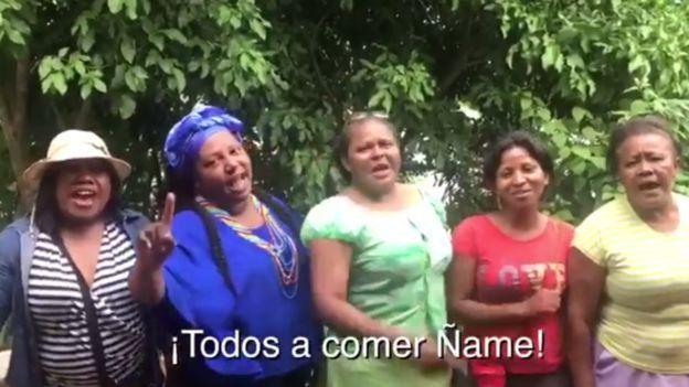 نساء في فيديو يوتيوب