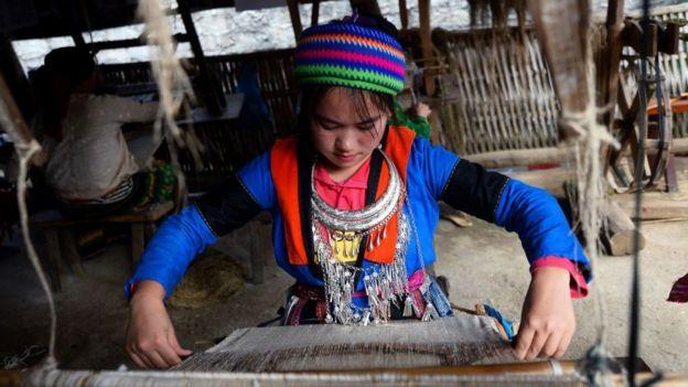 Một số khác hỏi về tình trạng quyền lợi của người dân tộc thiểu số ở Việt Nam
