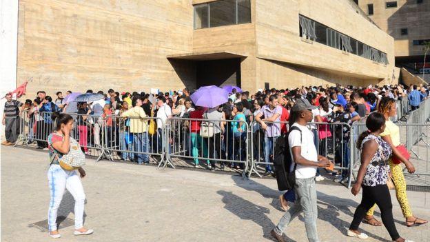 Fila de mutirão do emprego em 17 de setembro, em São Paulo