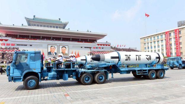 Desfile militar en Corea del Norte el 15 de abril de 2017.