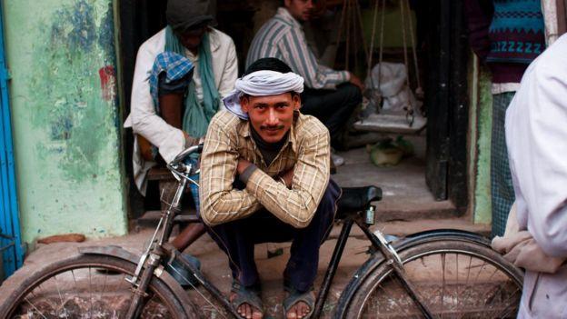 Мужчина и велосипед
