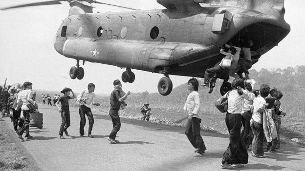 Người dân thường chạy khỏi Miền Nam Việt Nam sau khi Việt Nam Cộng hòa sụp đổ