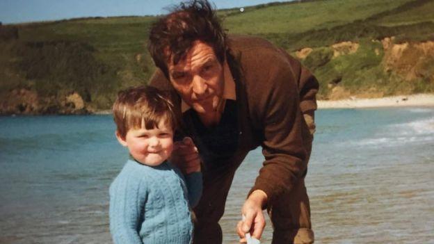Мартін Вайтлі допомагав батькові заводити годинник