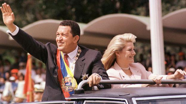 Hugo Chávez el día de su posesión presidencial.