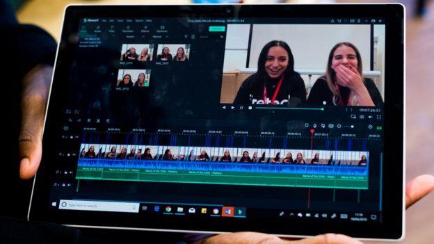 Yapılan video düzenlemesini gösteren tablet ekranı