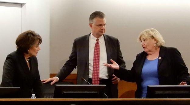 Từ trái: Dân biểu Anna Eshoo, Đại sứ Daniel Kritenbrink, Dân biểu Zoe Lofgren
