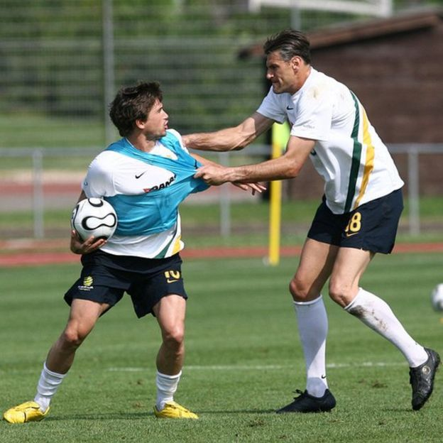 Futbolistas australianos entrenando