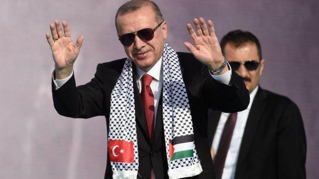 رجب طيب أردوغان: هل اختاره العرب بطلا لهم؟