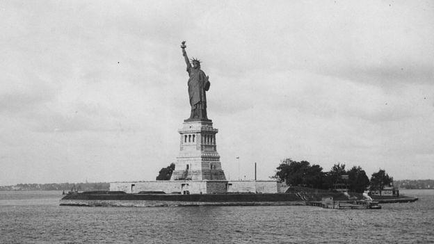 Статуя Свободы в 1893 году