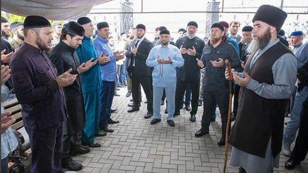 Рамзан Кадыров на похоронах Темерханова