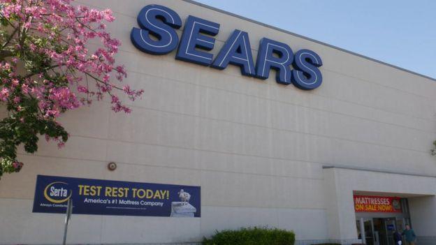En Estados Unidos, Sears se declaró en bancarrota.