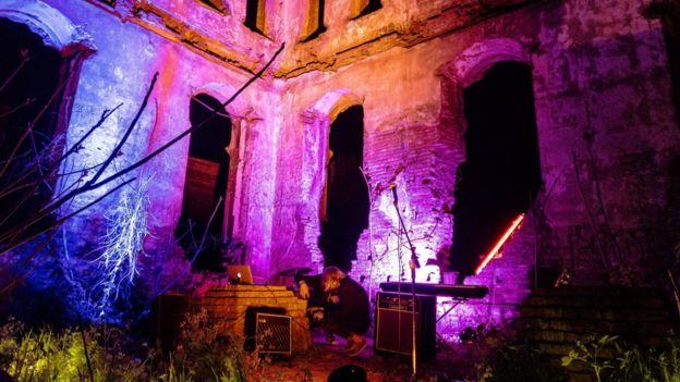 Творчий спалах у руїнах Хоральної синагоги Маріуполя