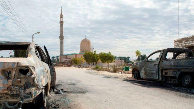 Mesquita de Rawda após atentado em novembro de 2017
