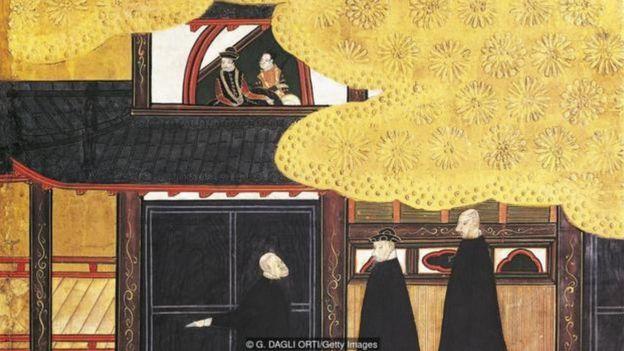 Năm 1543, ba thủy thủ Bồ Đào Nha là những người Châu Âu đầu tiên đặt chân lên đất Nhật Bản