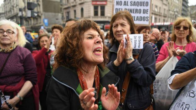 Jubilados protestan en Buenos Aires.