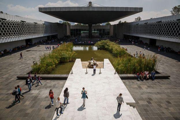 Fachada del Museo Nacional de Antropología e Historia de México.