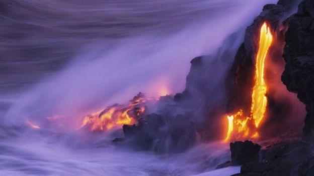 Núi lửa Kilauea ở Hawaii phun trào liên tục