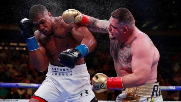 Ruiz Jr. conecta con la derecha contra Joshua