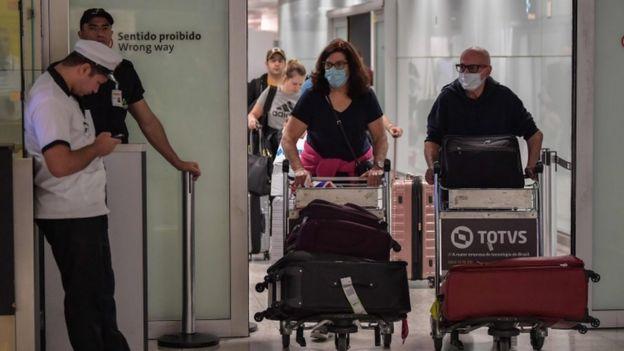 Viajeros llegando a Brasil