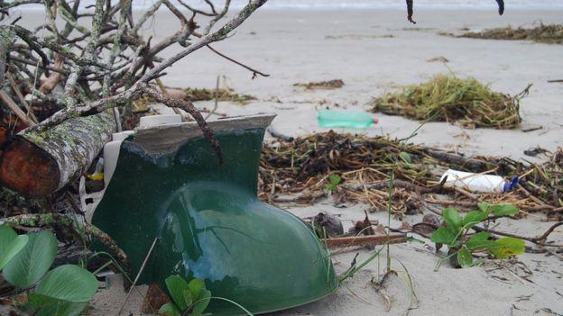 Resíduos em praia