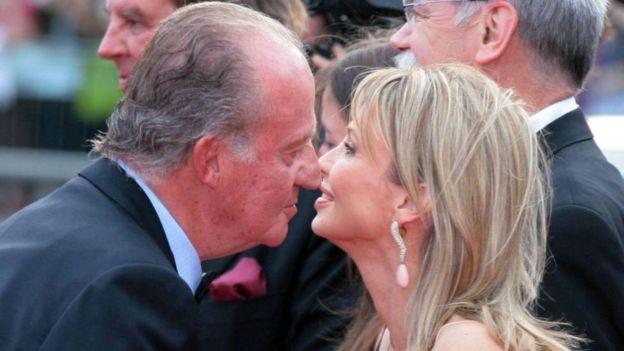 Juan Carlos and Corinna zu Sayn-Wittgenstein at an awards ceremony in Barcelona in 2006