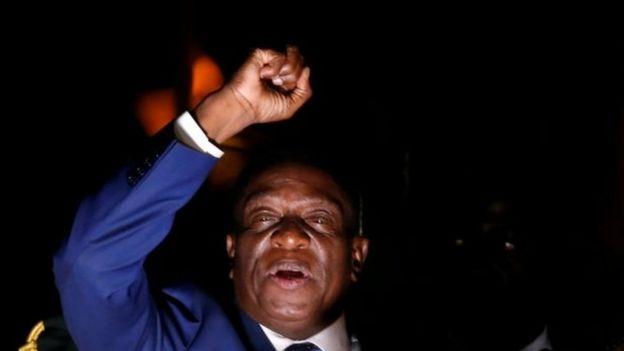 Emmerson Mnangagwa addresses supporters in Harare, Zimbabwe. Photo: 22 November 2017