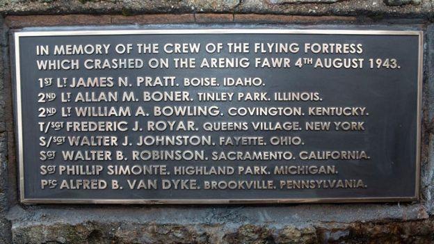 American airmen killed in Snowdonia mountain crash honoured