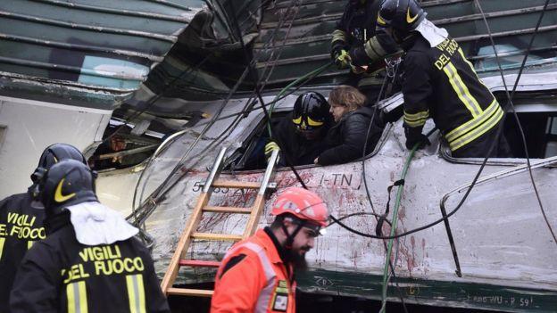 Rescue at crash scene, 25 Jan 18