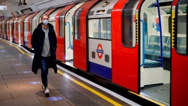 عمدة لندن أكد لسكان العاصمة البريطانية أن حالة الإغلاق لا تزال مطبقة، محذرا من التهاون الذي قد يؤدي إلى موجة ثانية من الوباء
