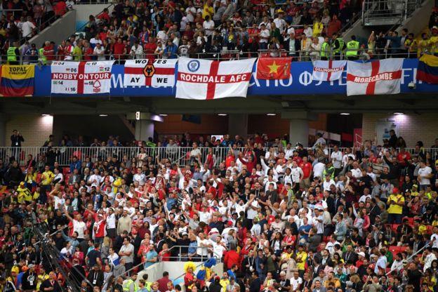 De las pocas zonas blancas en el estadio. Inglaterra también sueña con llegar a unos cuartos por primera vez en 12 años.