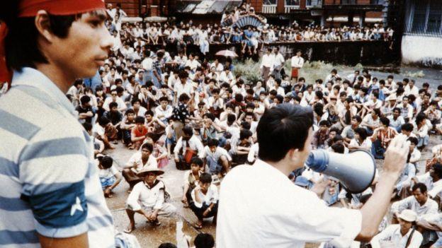 Протесты в Бирме в 1988 году