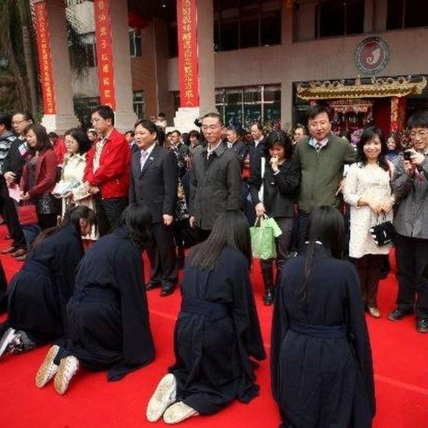 廣東東莞台商子弟學校舉行成人禮