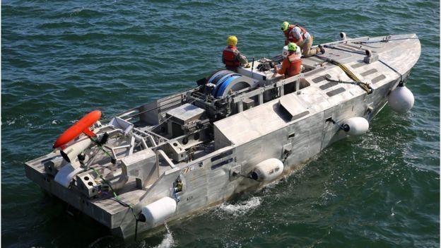 Беспилотный тральщик на испытаниях в ВМС США