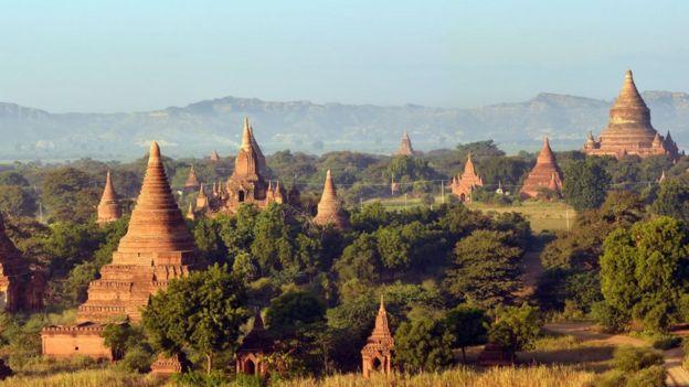 المعابد البوذية القديمة في موقع باغان القديم