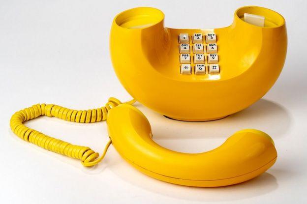 Sarı bir muz telefon